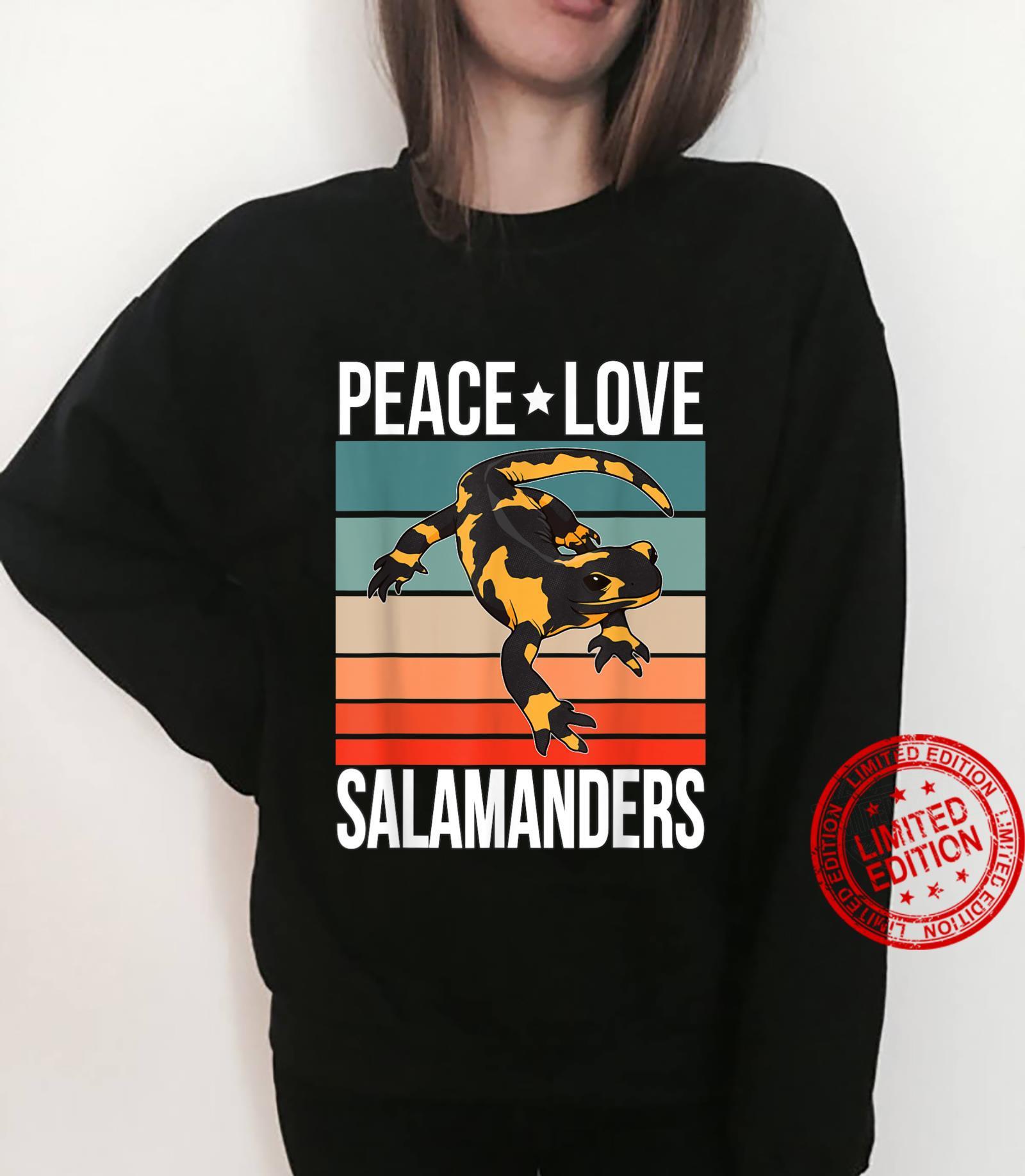 Peace Love Salamanders Quote Retro Art Reptile Vintage Shirt sweater